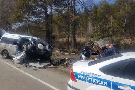ВПриангарье столкнулись автобус иавто: двое погибли, еще 11 в клинике