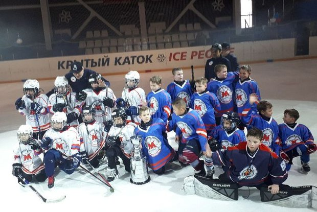 Юные хоккеисты. Фото ice-p.ru