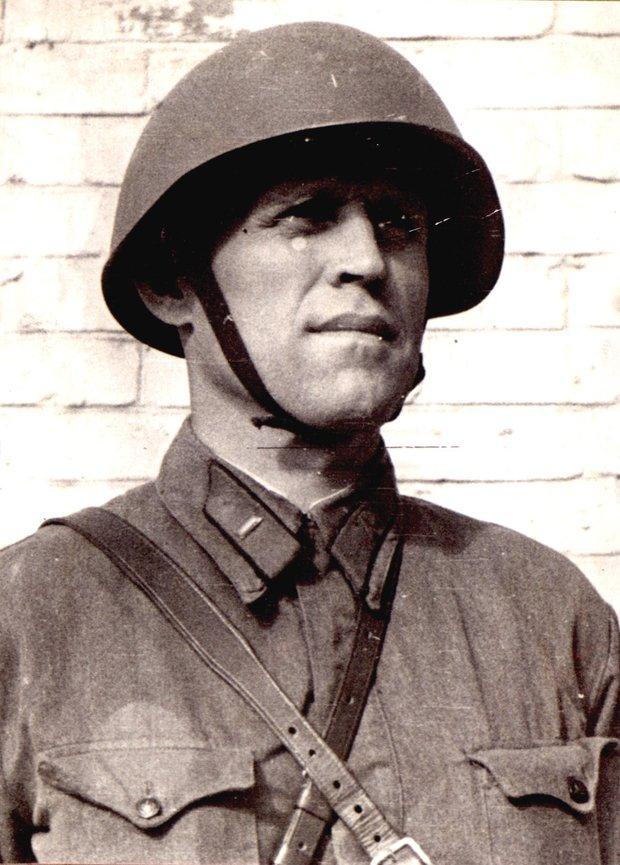 И. И. Молчанов-Сибирский перед отправлением на фронт