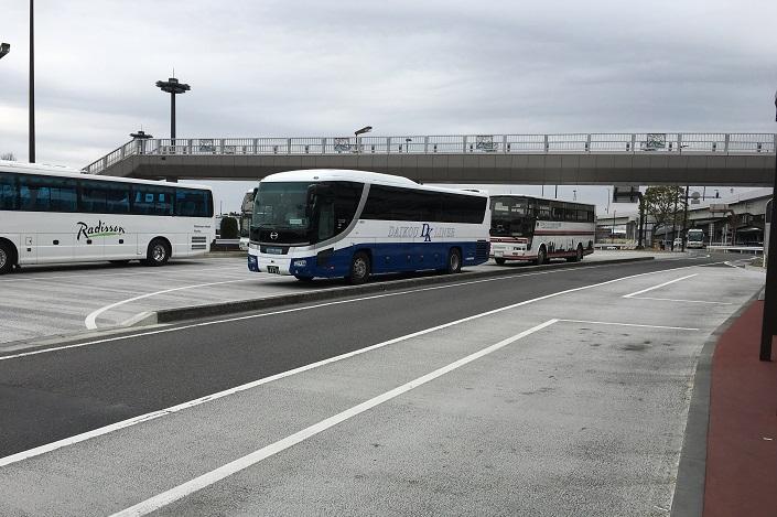 Парковка на территории аэропорта «Нарита». Фото Анны Сурковой
