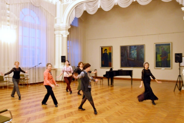 Танцевальный мастер-класс в Художественном музее. Фото предоставлено пресс-службой музея