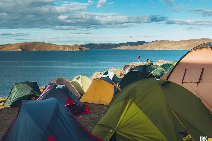 На берегу Байкала разобьют палаточный лагерь. Фото Артёма Моисеева.