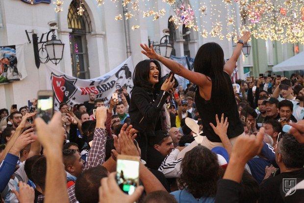 Болельщики на Никольской улице в Москве. Фото Алёна Сахарова, championat.com