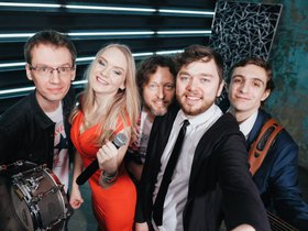 Вечеринка с группой «Меланж» в гриль-баре «Рокс»
