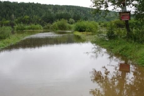 Насевере Иркутской области реален выход изберегов реки Витим