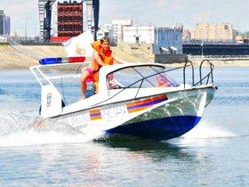 Cоревнования по водно-моторным видам спорта у ледокола «Ангара»
