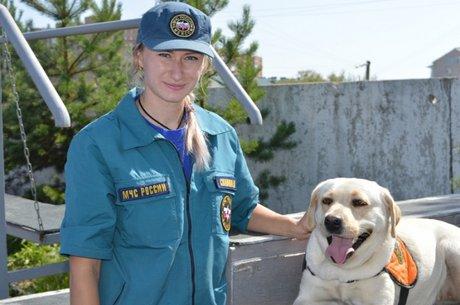Елизавета Славина с Ирэль. Фото ГУ МЧС России по Иркутской области