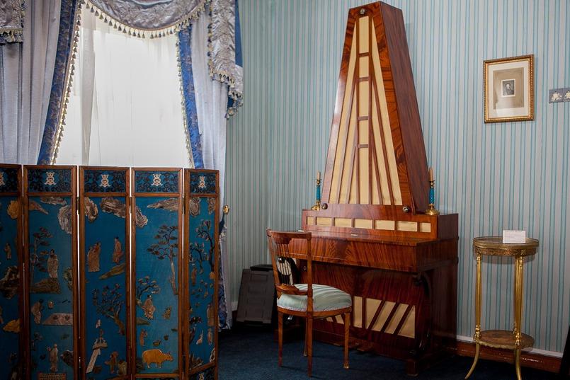Это одно из немногих действующих фортепиано такого вида в мире