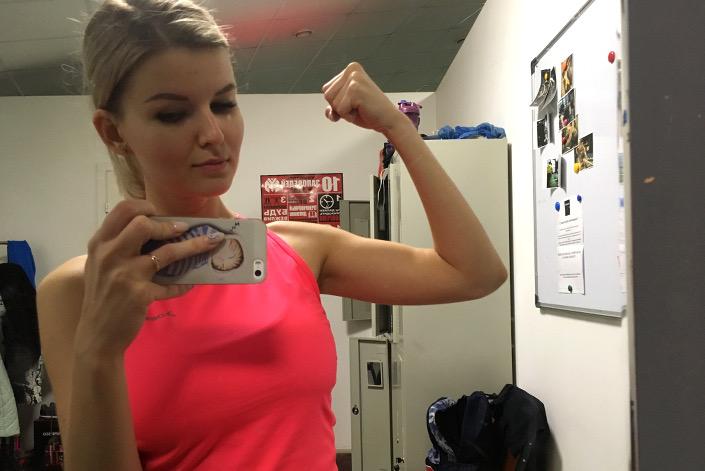 У меня стало видно мышцы на руках!