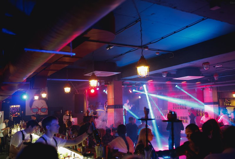 Клубы иркутска ночные работают стрип клуб казанова