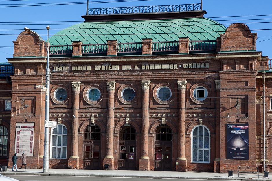 Вторую очередь здания достроили в декабре 1902 года