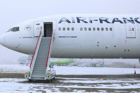 Шанхай: Запасной борт прибыл вИркутск запассажирами рейса Париж
