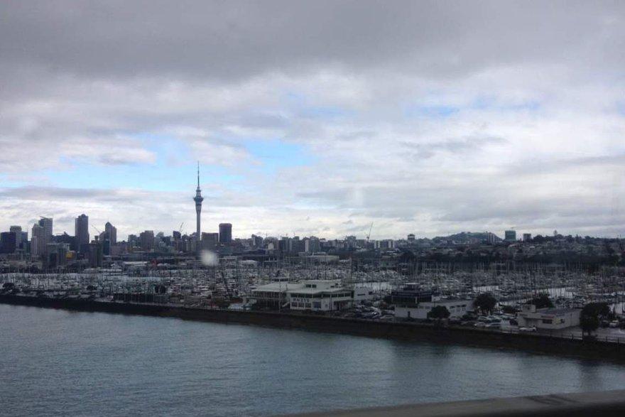 Окленд. Вид с моста