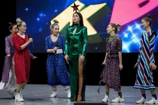 На игре. Фото Виктории Фроловой, с сайта kvn.ru