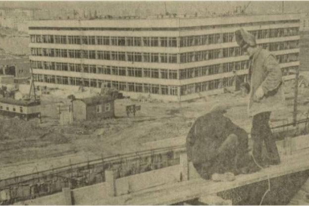 Строительство университетского комплекса. Фото Виталия Белоколодова