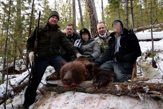 Сергей Левченко с сыном и внуками