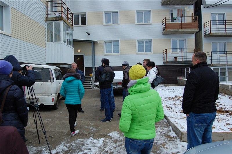 Рейд по проверке жилья для детей-сирот в Малой Топке, 2015 год. Фото пресс-службы омбудсмена Иркутской области