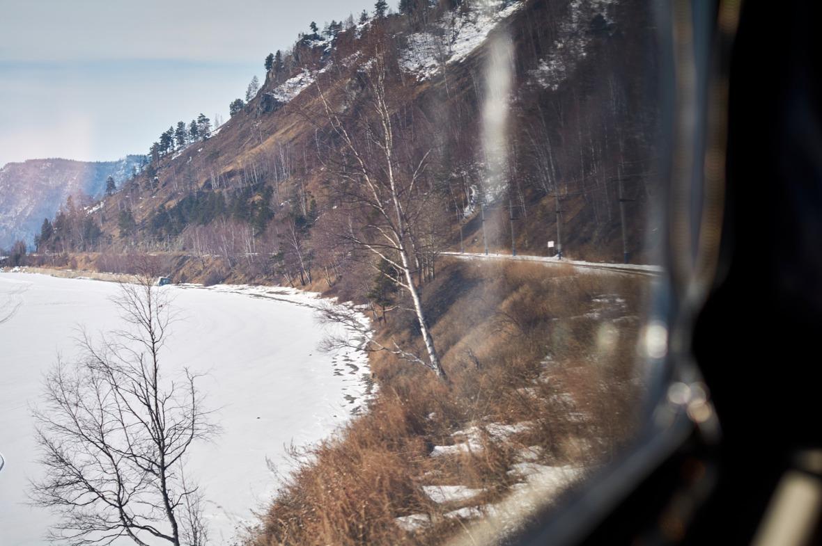 Вид из окна экскурсионного поезда