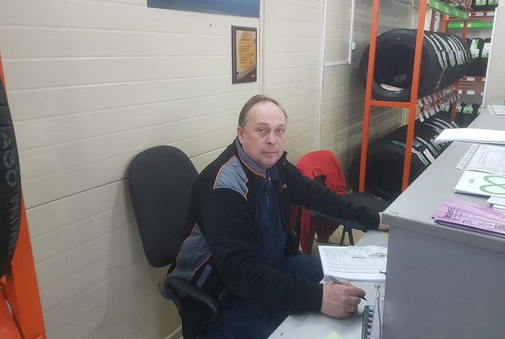 Леонид, директор шинного центра VIANOR