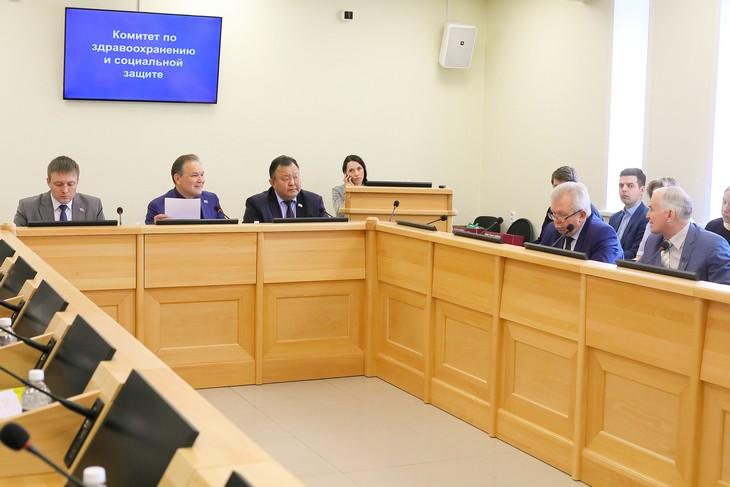 Заседание комитета по здравоохранению. Фото предоставлено пресс-службой Заксобрания