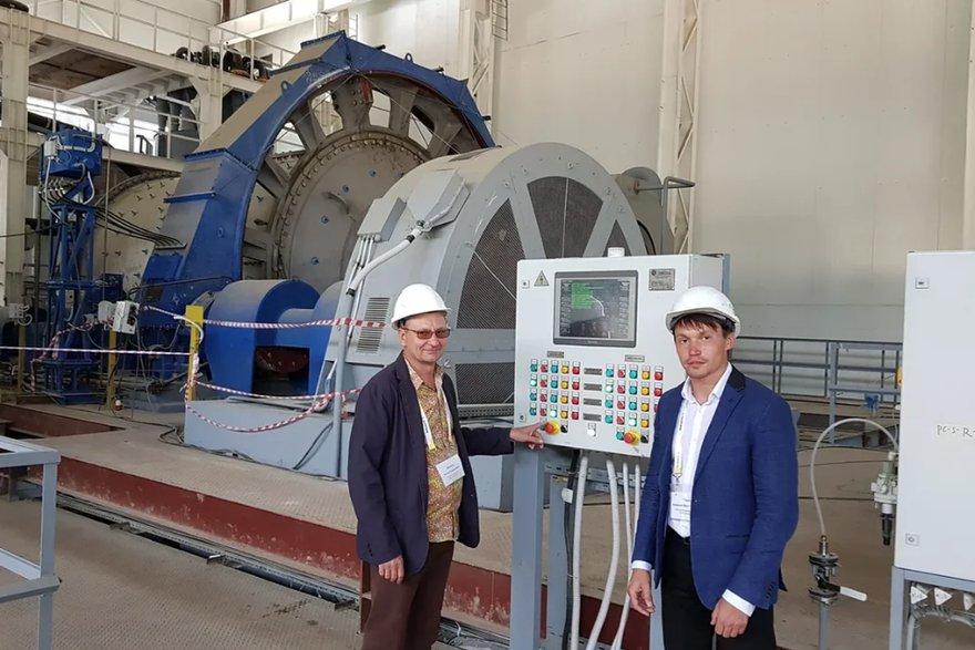 Алексей Чудаков с Русланом Еремеевым, руководителем проекта ГОК «Рябиновый»