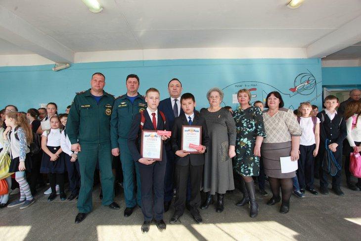На вручении наград. Фото предоставлено пресс-службой администрации Иркутского района