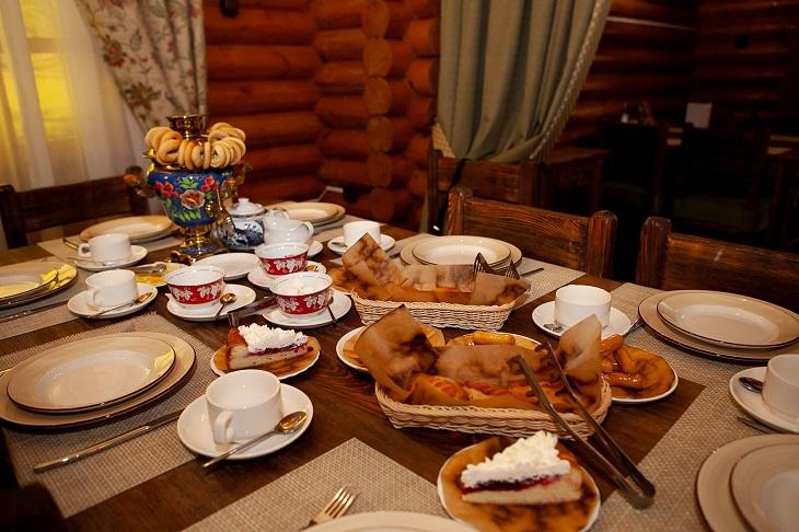 В ресторане «Славянка»