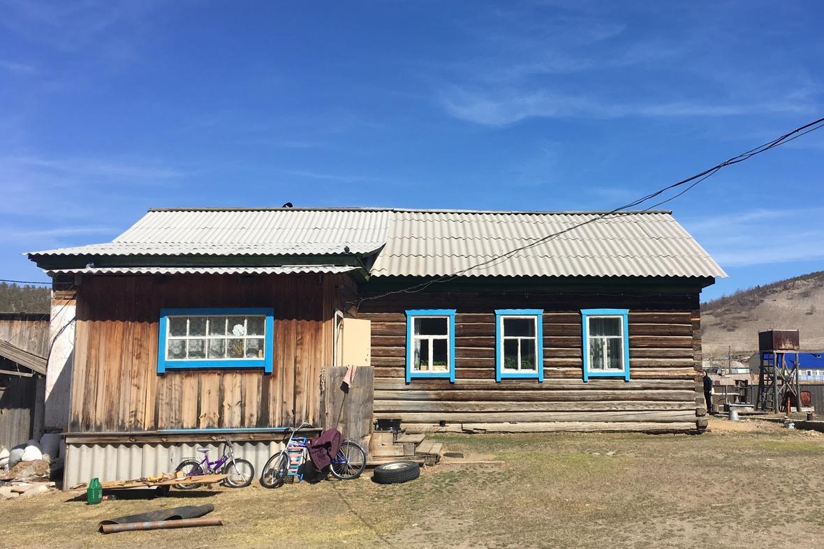 По словам местных жителей, в Бугульдейке живет около 500 человек