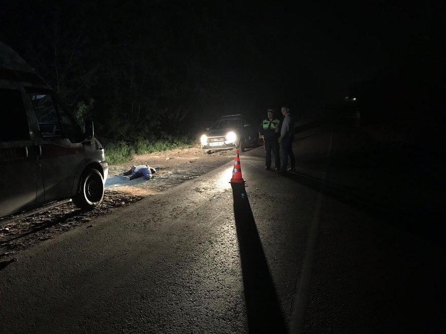 Мужчина за рулем Toyota Corolla Fielder на улице Доржи Банзарова насмерть сбил пешехода