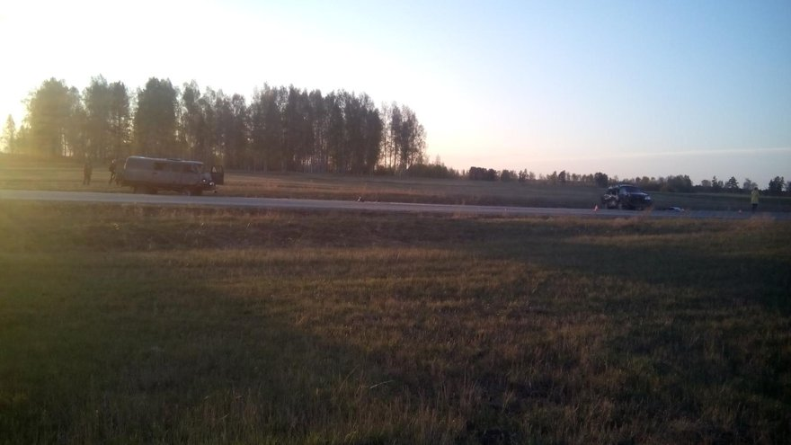 На 17-м километре автодороги Ангарск — Тальяны произошло лобовое столкновение автомобилей Honda CR-V и УАЗ