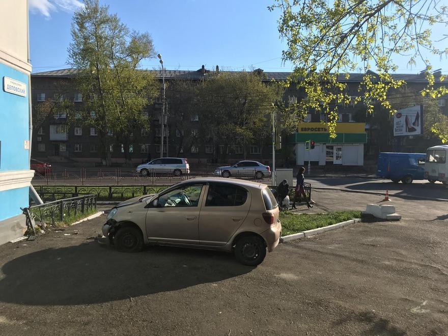 22-летний водитель Toyota Vitz сбил школьника на улице Розы Люксембург