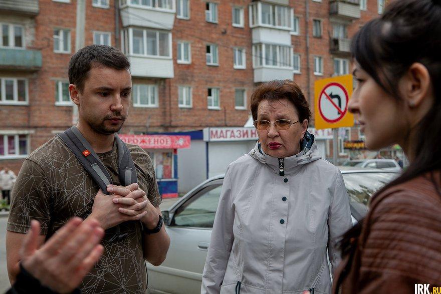 С журналистом встретилась инициативная группа дольщиков