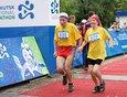 Пожилая пара — участники забега на десять километров.