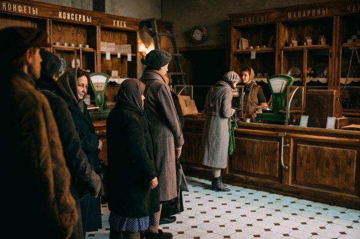 «Дылда» проговаривает историю без прикрас. Фото с сайта Kinopoisk.ru