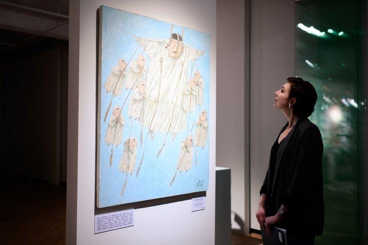 На выставке в Галерее Виктора Бронштейна. Фото с сайта vk.com/vbgallery