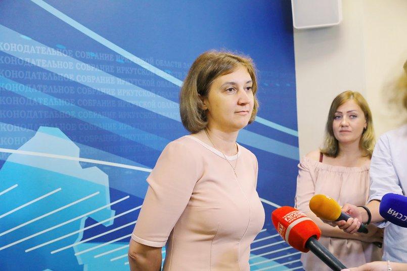 Наталья Дикусарова. Фото пресс-службы Заксобрания Иркутской области