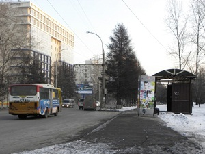Автобус на дороге Иркутска. Фото IRK.ru