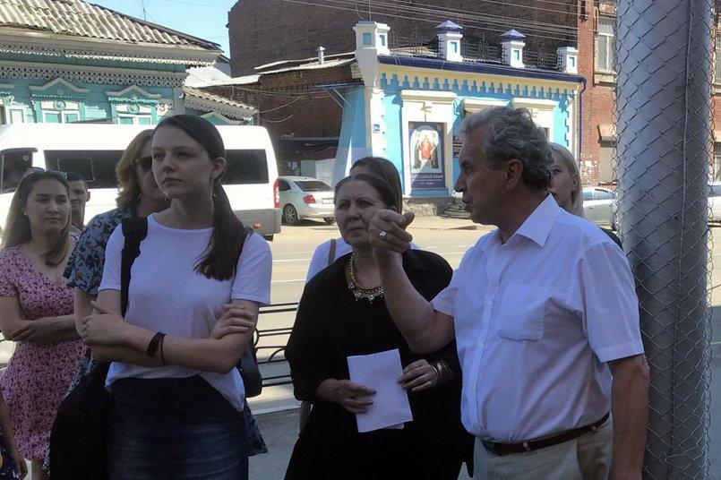 Михаил Степанов рассказывает о ходе реставрации