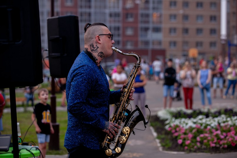 Летом во дворе «Стрижей» проходят концерты