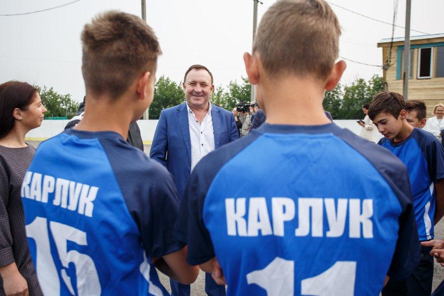 Встреча Леонида Фролова со спортсменами из Карлука