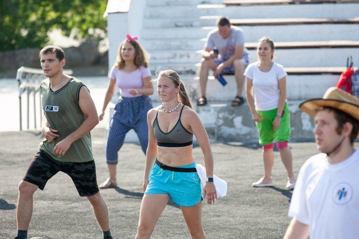 Участники тренировки «Зарядись с IRK.ru!». Автор фото — Анастасия Влади