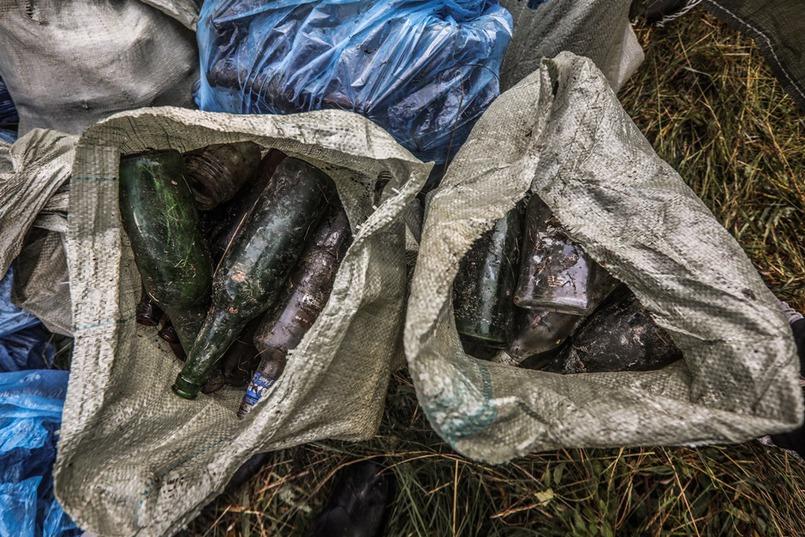 Многие до сих пор не знают, сколько разлагается стекло и пластик.
