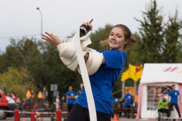 Участница соревнований. Фото пресс-службы ГУ МЧС России по Иркутской области