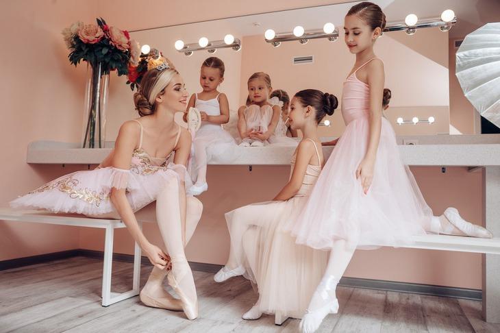 В La Scene работают действующие артисты иркутского музтеатра