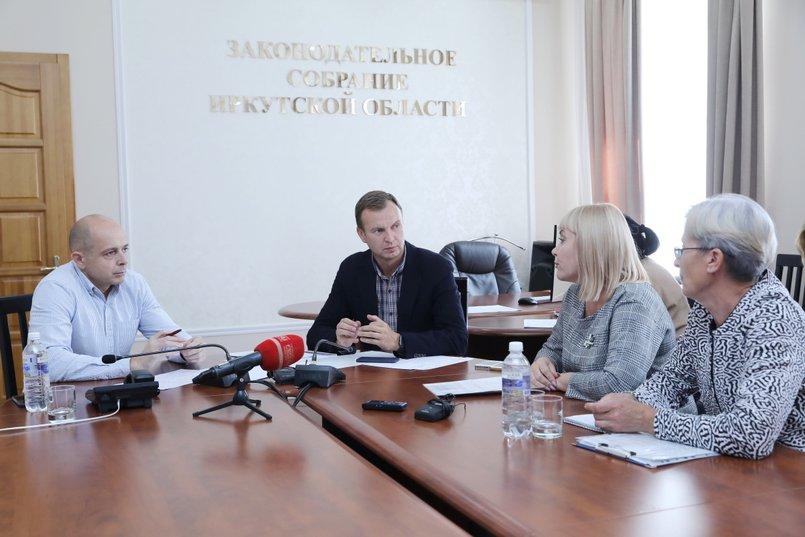 Сергей Сокол, Виктор Побойкин, Ольга Шаповалова и Ирина Сергеева