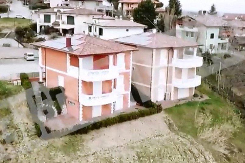 Дом в Италии. Скрин видео ТК «РенТВ»