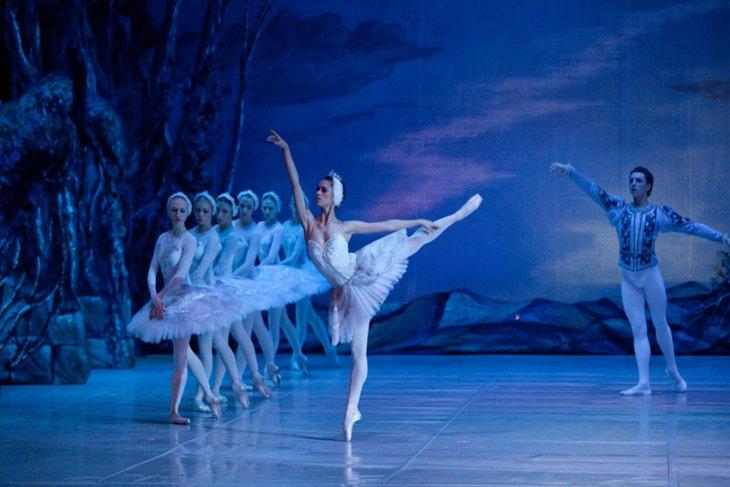 Балет «Лебединое озеро». Фото с сайта http://www.russballet.ru/