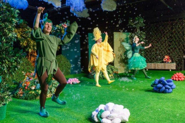 Во время спектакля «Утро на лесной полянке» вершится театральная магия. Фото с сайта www.dramteatr.ru