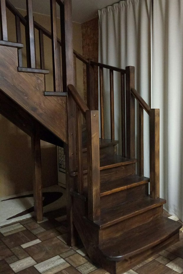 Лестница получилась удобная и безопасная
