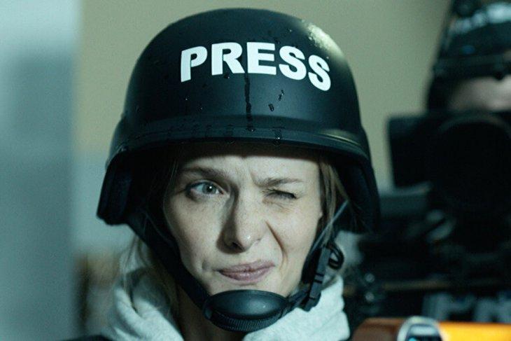 Светлана Иванова в роли журналистки Ольги